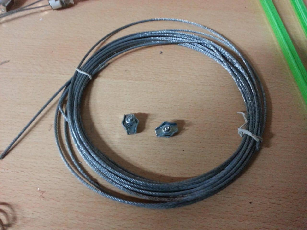 Cable flexible de 3 mm. y fijaciones